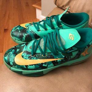 Nike Shoes - Nike Kobe Easter's youth 6.5 b-ball